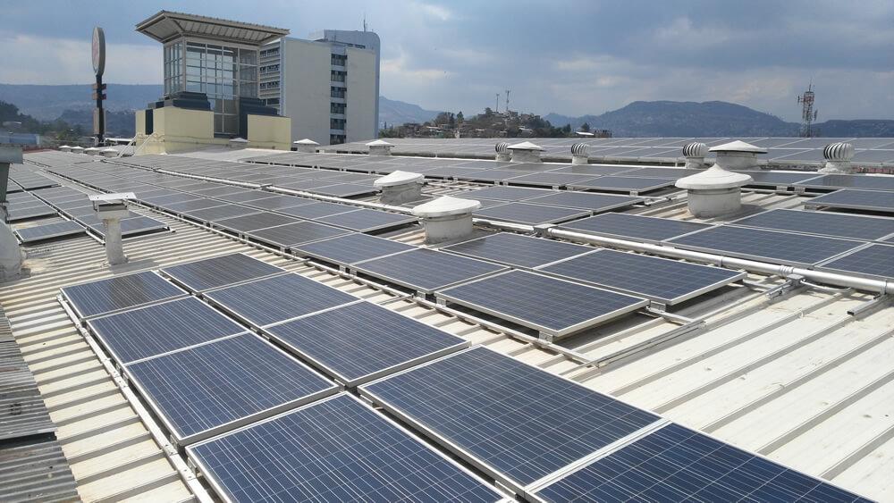 Sistema De Autoproducción Solar Fotovoltaico Centro Comercial Plaza La Granja
