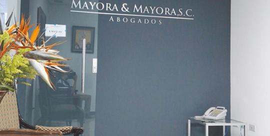 Diseño de interiores oficina de abogados Mayora & Mayora Grupo Proteger